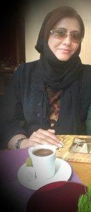الكاتبة الإماراتية :