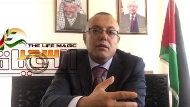 """صورة وزير الثقافة: د. عاطف ابو سيف """"ولدت في مخيم حيث أحلام الناس مبنية على ركام"""