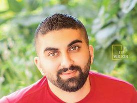 صورة يزن خضور .. محطات هامة في عالم الصحافة الفنية