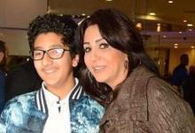 صورة بالفيديو وفاء تحتفل بتخرج ابنها عمر
