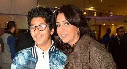 بالفيديو وفاء تحتفل بتخرج ابنها عمر