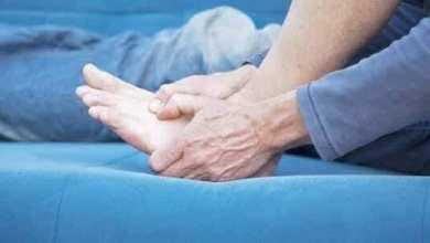 صورة أهم المشاكل الصحية التي قد تتسبب بزيادة الشعور ببرودة اليدين والقدمين