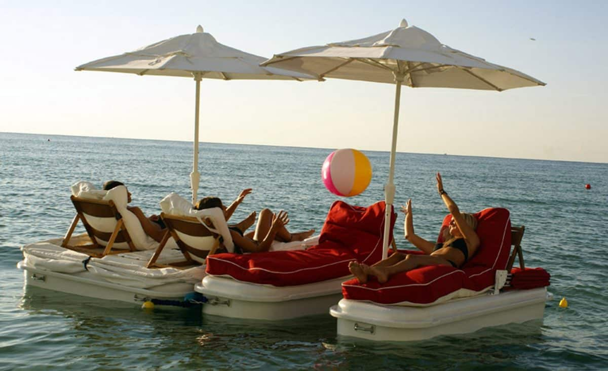 Raft up and play on Seaduction Floats