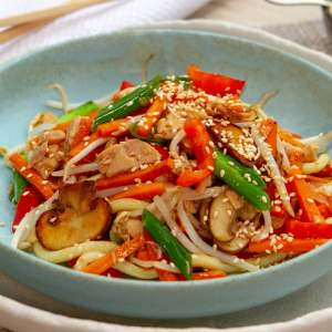 Asian salmon noodles