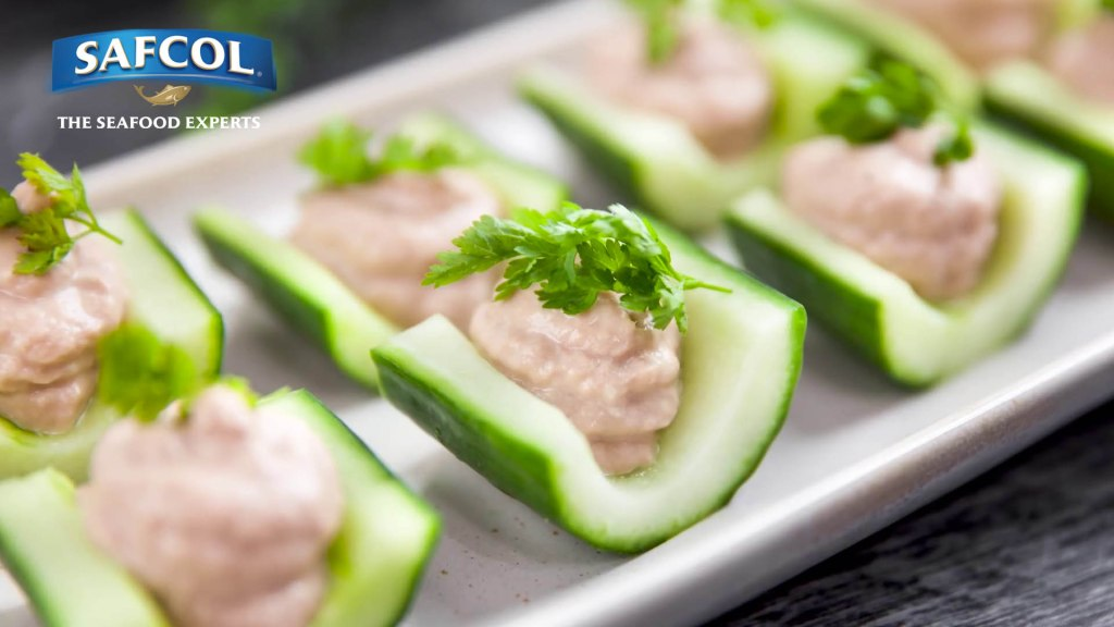 Here's a tasty canape for your next soiree or even a snack. These Cucumber Boats with Tuna Mousse doesn't get any easier than this, and they're so delicious, you'll be coming back for more.