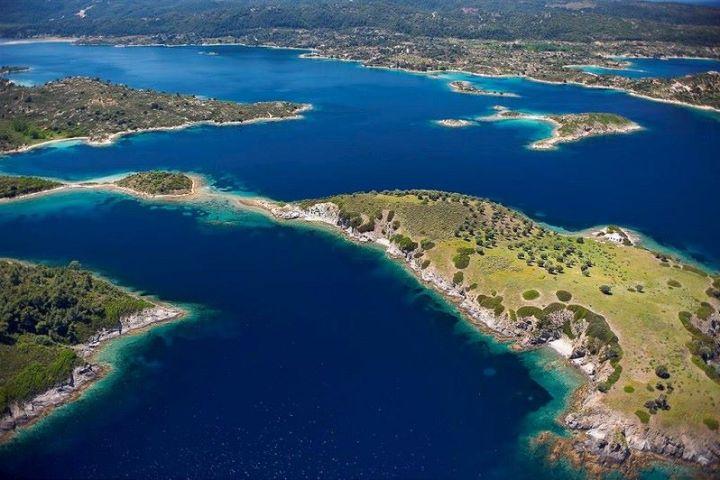 Aerial photo of  Diaporos island