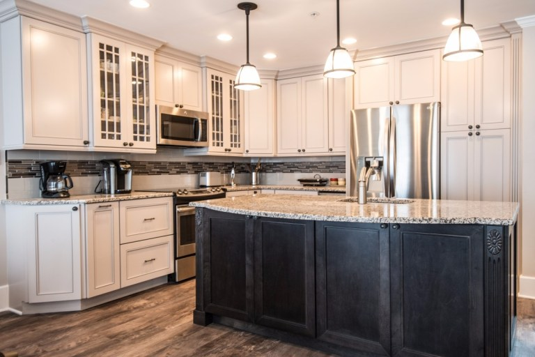 Kings Grant Fenwick Island DE Delaware Traditional Kitchen Remodel White Black Marble Countertop
