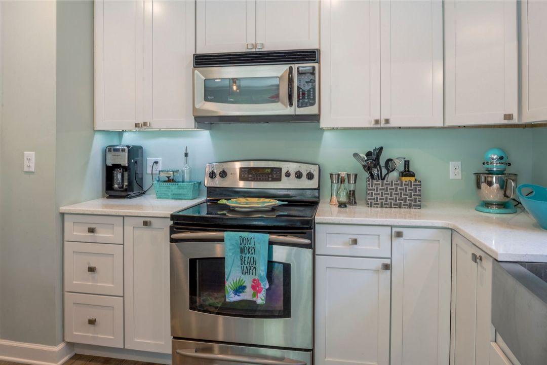 Renovation in Canal Drive, Millsboro DE with White Cabinets and Stainless Steel Appliances