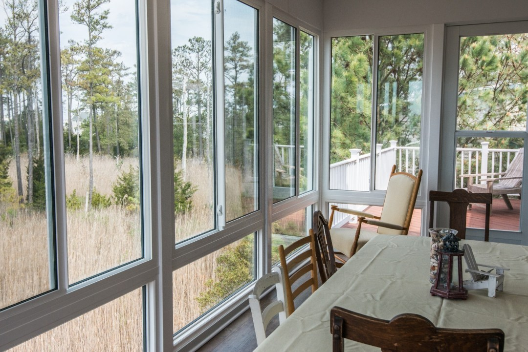 Whitesview Court Sunroom Vol.2 in Ocean View DE with Screen System and Right Side Deck