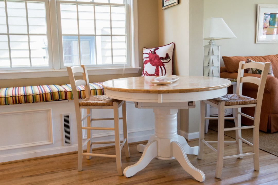 Willow Oak New Addition in Bear Trap Dunes, Ocean View DE Family Room Leisure Area with Bench Seats and Round Table