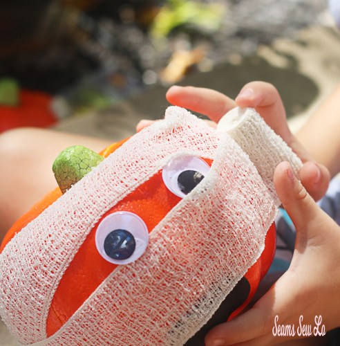 Easy Pumpkin Decorating for Kids and Toddlers Mummy Wrap