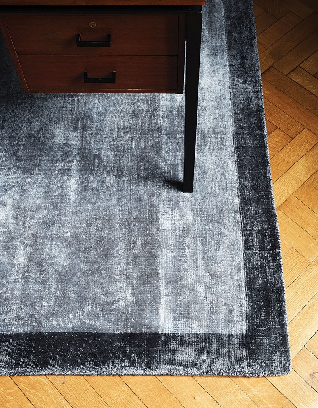 pop culture tapis tufte main gris design londonart seanroyale