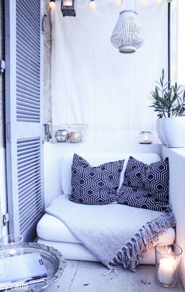 apartman balkon divanı