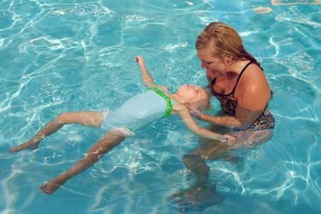 swim lessons back float