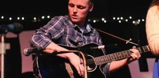 Zach Sobiech deixa canção de fé e esperança para ajudar outros doentes