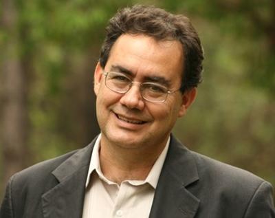 Augusto Cury lança bíblia de estudo e diz ser um 'cristão sem fronteiras'