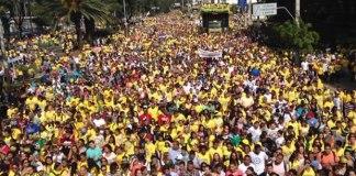 Milhares de evangélicos na Marcha para Jesus