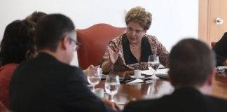 'Eu não represento o PT, represento a Presidência da República', diz Dilma