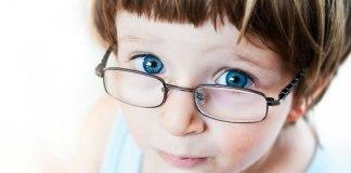 Usar óculos pode piorar a visão?