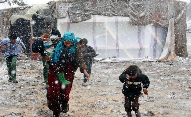 Frio intenso aumenta o sofrimento dos refugiados