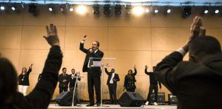 Cristãos evangélicos: Uma nova e poderosa força na crise política do Brasil, destaca o Washington Post
