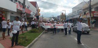 Batistas realizam Passeata pela Paz em Laranjeiras
