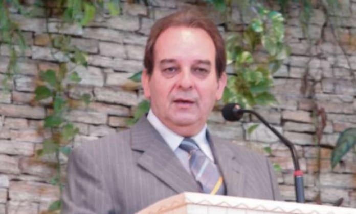 Pastor Oliveira Araújo morre aos 69 anos
