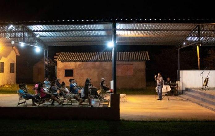 Indígenas que se declaram evangélicos aumentam para 32%, segundo Datafolha - 2