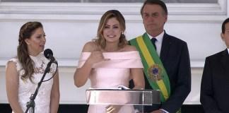 Michelle Bolsonaro faz discurso em Libras na posse do presidente