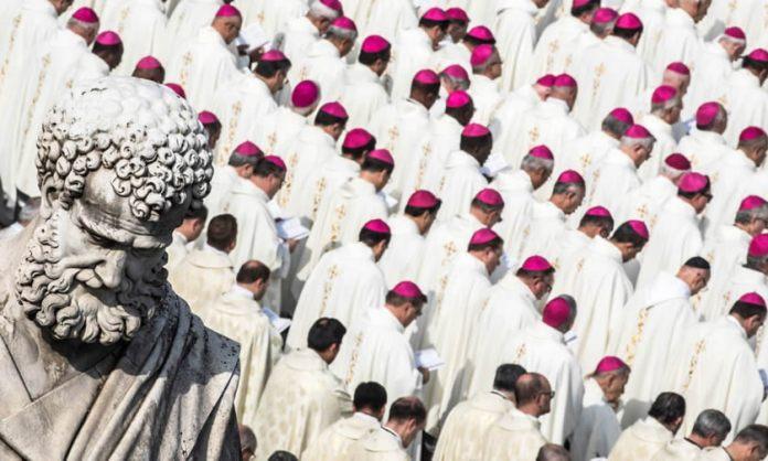 Vaticano confirma que tem diretrizes para Padres com filhos
