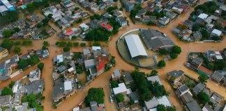 Cobilândia ficou debaixo d'água após às fortes chuvas na Grande Vitória ES