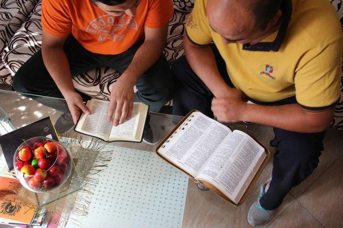 Intolerância religiosa no Cazaquistão fecha igrejas cristãs