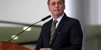 Presidente Jair Bolsonaro descartou a possibilidade de taxar igrejas