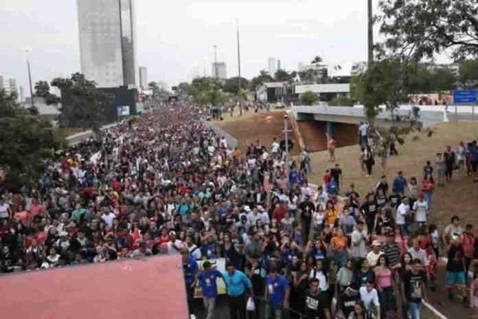 Marcha para Jesus atrai 40 mil em Campo Grande MS