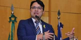 Vandinho Leite critica possível fechamento de Escola Viva