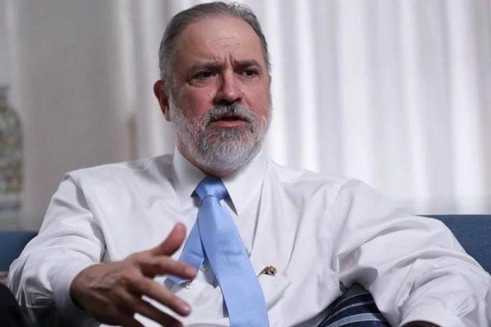"""Augusto Aras se compromete com evangélicos sobre """"valores cristãos"""""""