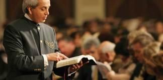 Benny Hinn renuncia ao evangelho da prosperidade