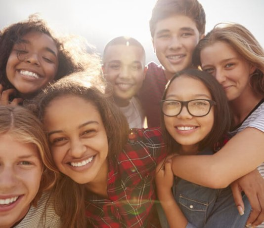 Publicações do 'Celebrando Teens' são lançadas pela Sociedade Bíblica do Brasil