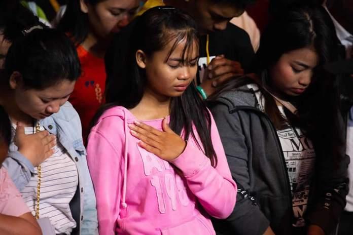 Cruzada de Franklin Graham registra mais de 1.300 conversões no Camboja