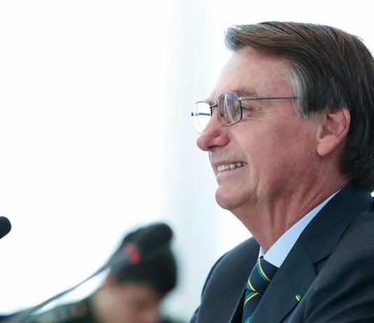 Presidente Jair Bolsonaro assinou MP e Salário Mínimo passa para R$ 1.039