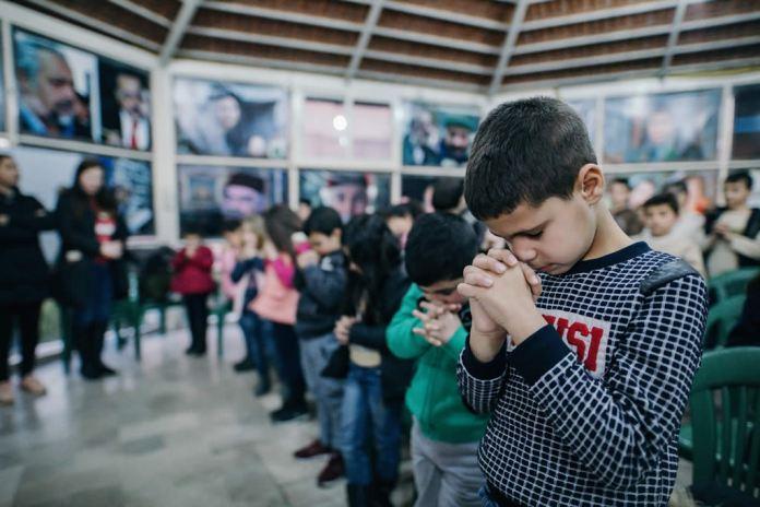 Cristãos sírios mantêm esperança em meio à guerra