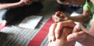Cristãos usam internet para propagar Jesus em meio à crise na Indonésia