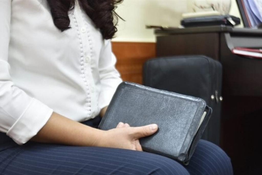 Marido agride esposa por ela se tornar cristã