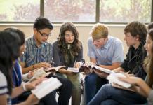35 milhões de jovens poderão deixar o cristianismo até 2050, aponta relatório