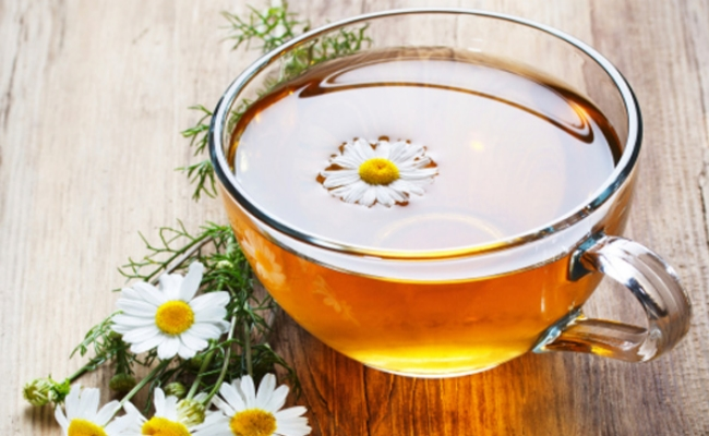 Drink Chamomile Tea To Stop Sneezing