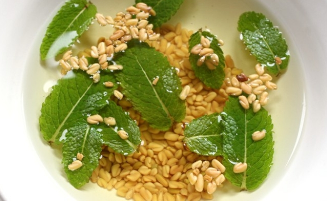 Fenugreek Seeds and Mint Leaves