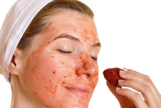 Honey And Strawberries For Acne
