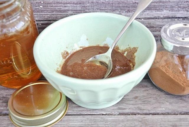 Nutmeg And Honey For Acne
