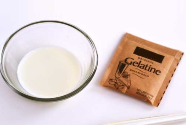 Milk & Gelatin Brightening Mask