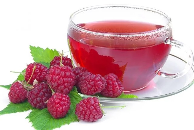 Raspberry Tea To Cure An Itchy Throat